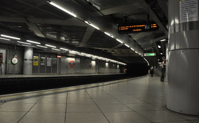 London : Westminster - Westminster Underground Station
