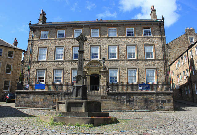 Judges' Lodgings and Covell Cross, Lancaster
