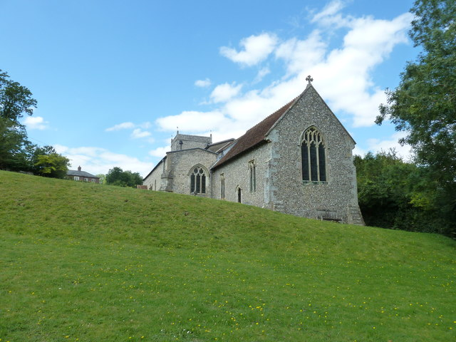 Nether Wallop- St Andrew's: the churchyard in August (4)