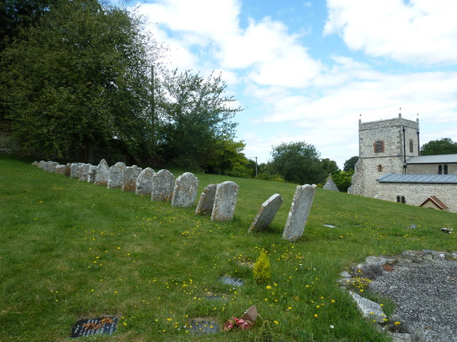 Nether Wallop- St Andrew's: the churchyard in August (6)