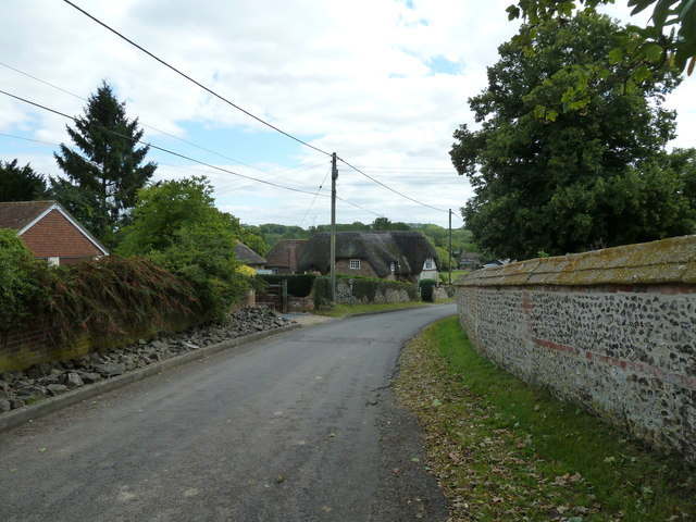 Approaching some cottages in Church Road