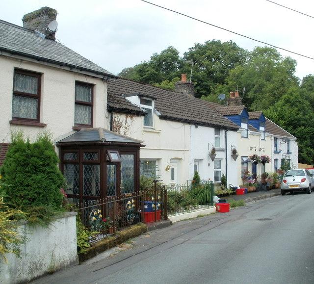 High Street houses, Pontneddfechan