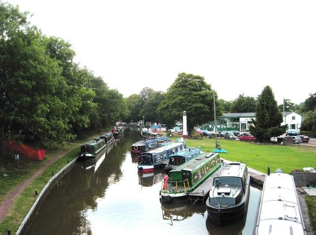 Worcester & Birmingham Canal, Hanbury Wharf