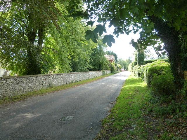 Looking westwards down Furzedown Lane