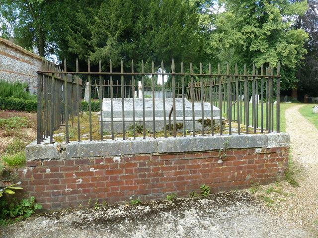 Saint Mary, Amport: railed tomb