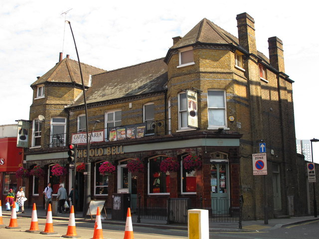 The Old Bell, Kilburn High Road / Springfield Lane, NW6