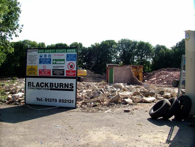 Last parts of demolished fruit warehouse