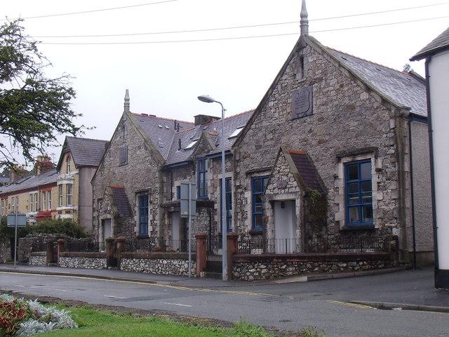 The old Garth Road British School, Bangor