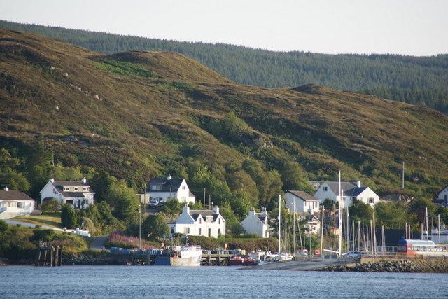 Kyleakin (Caol Acain) from Kyle of Lochalsh (Caol Loch Aillse)