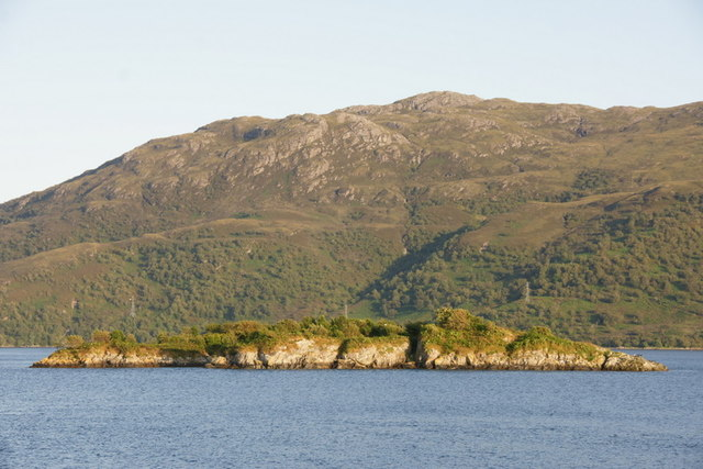 The westernmost of the Eileanan Dubha, Kyle of Lochalsh (Caol Loch Aillse)