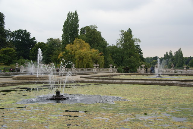 Fountains above the Long Water
