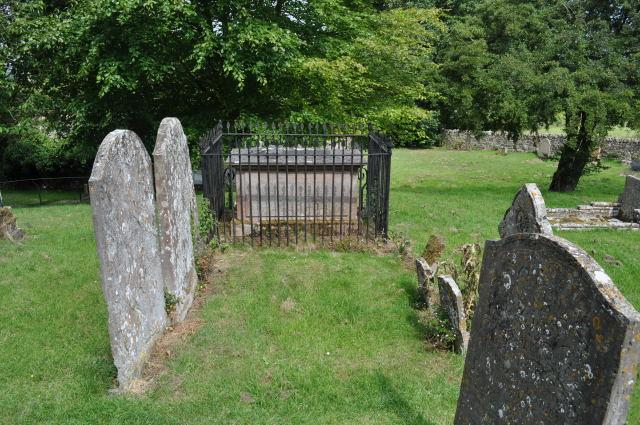 Gravestones in Saintbury churchyard