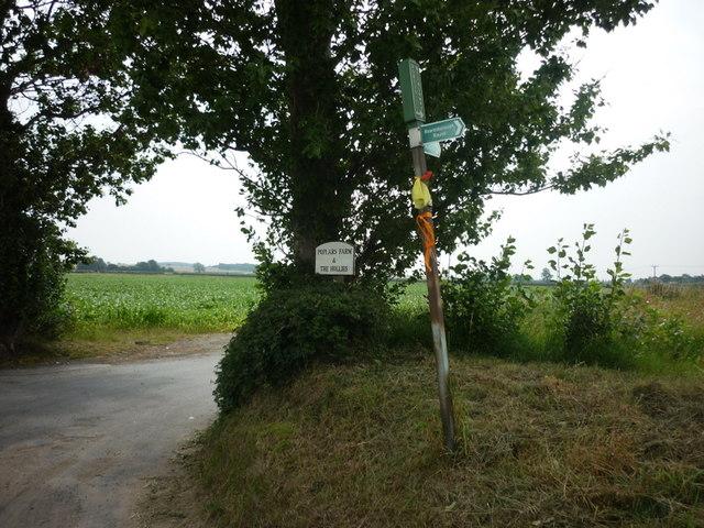 A bridleway to Poplars Farm
