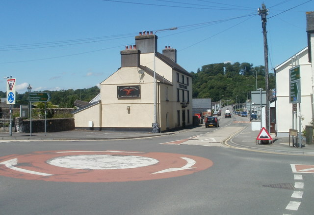 Mini roundabout, Ffairfach crossroads