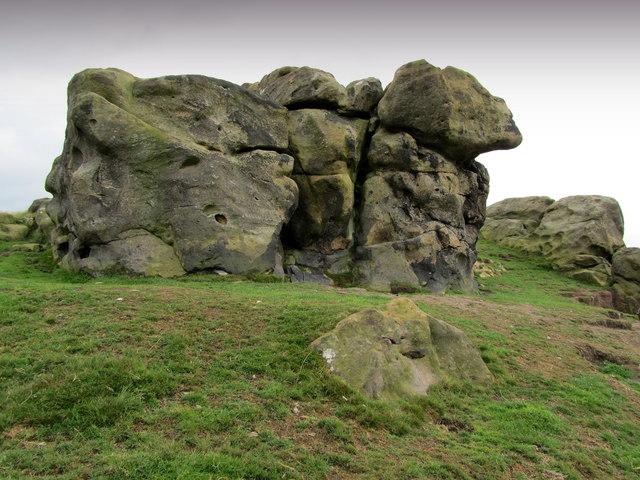 Little Alms Cliff Crag