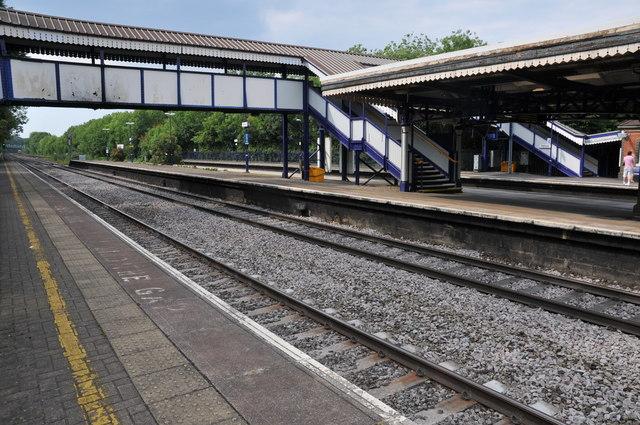 Tilehurst Station