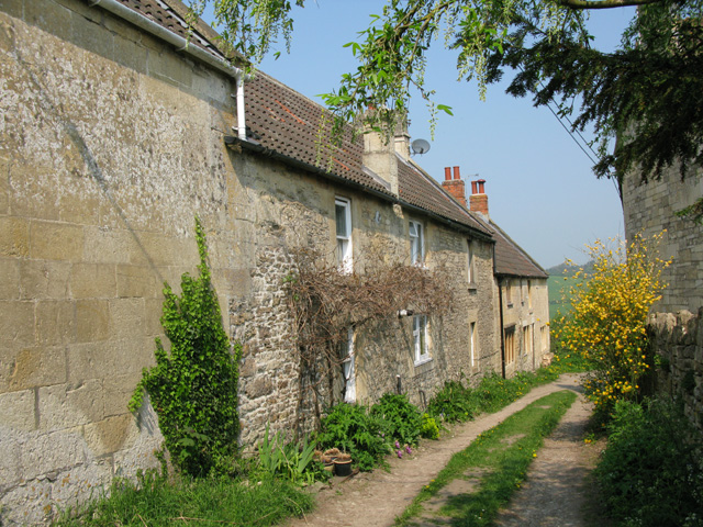 Cottages on an unmade lane at Upper Westwood