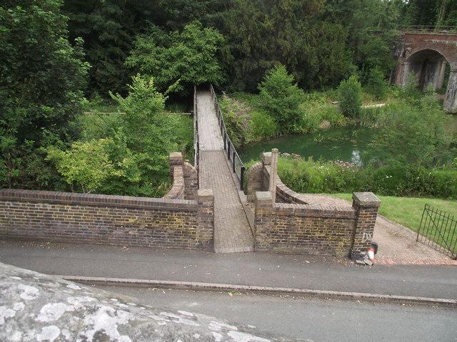 Loamhole Brook footbridge