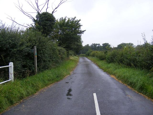 New Street & the footpath to the B1077 & Paris Farm