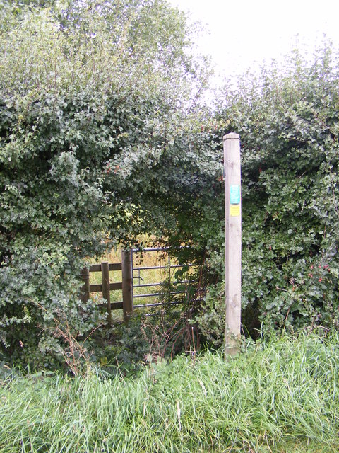 Footpath to the B1077 & Paris Farm