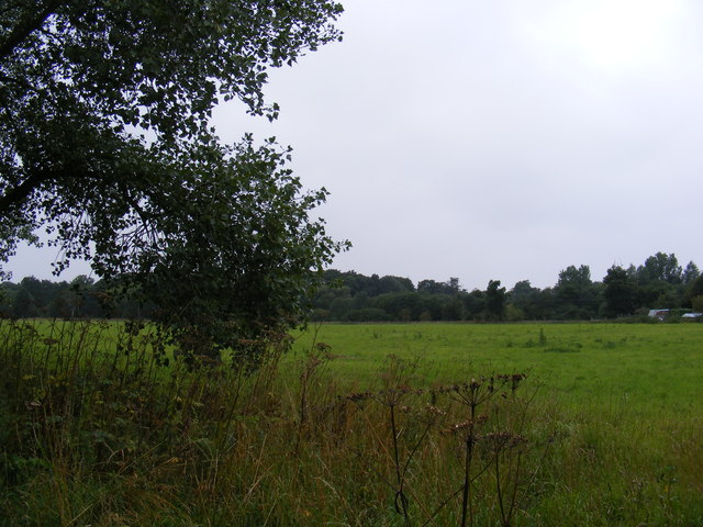 Footpath to the B1077 & Paris Farm