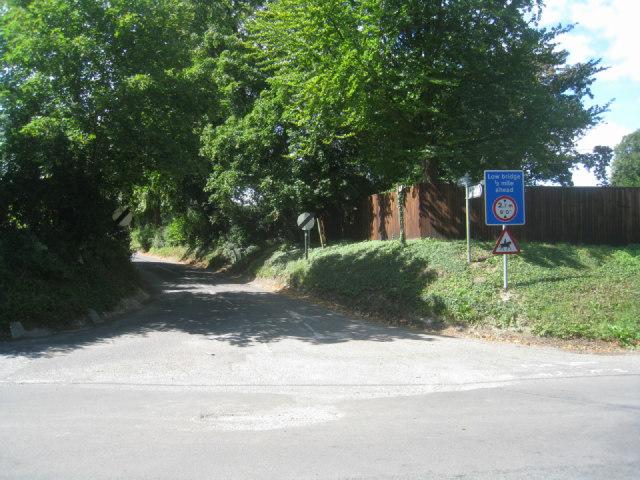 Lane towards the M3