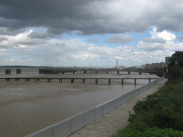 Riverside Walk, Erith