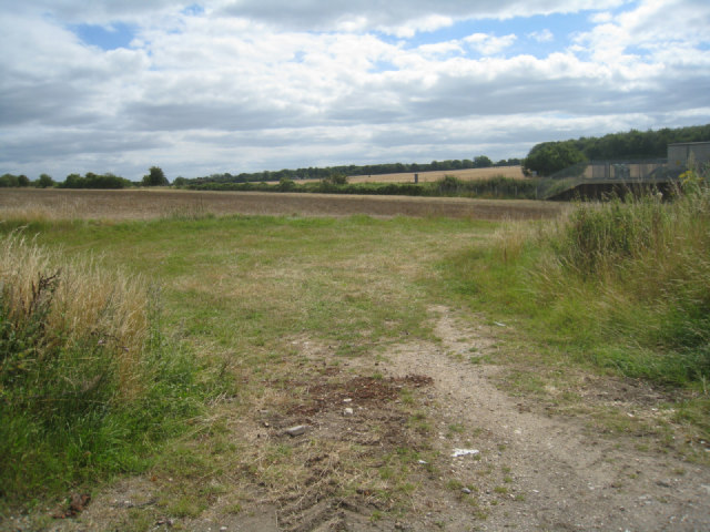 Field access by the railway
