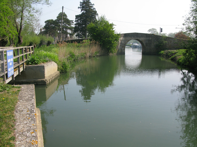 View along the New Cut to Canal Bridge, Radcot