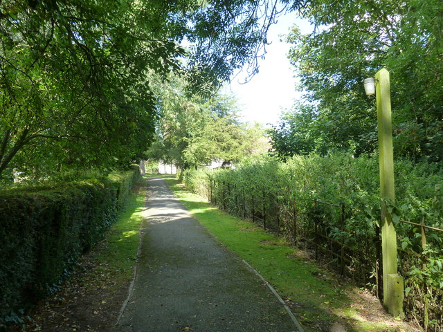 Monxton - St Mary: church path (ii)