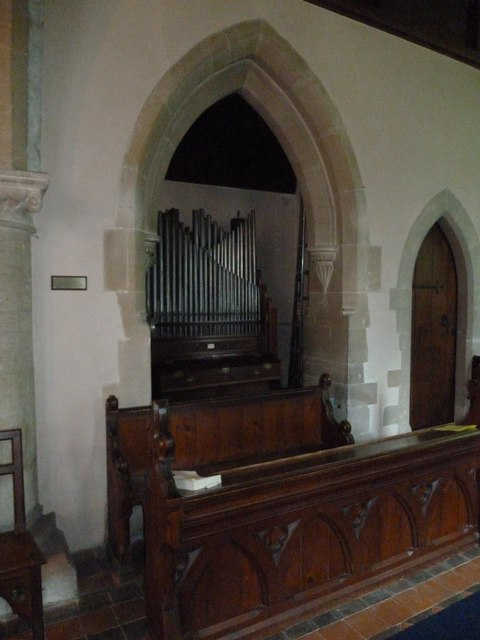Monxton - St Mary: organ