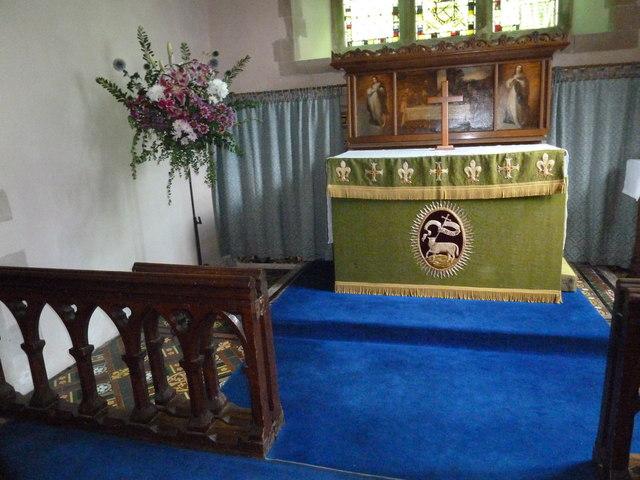 Monxton - St Mary: altar