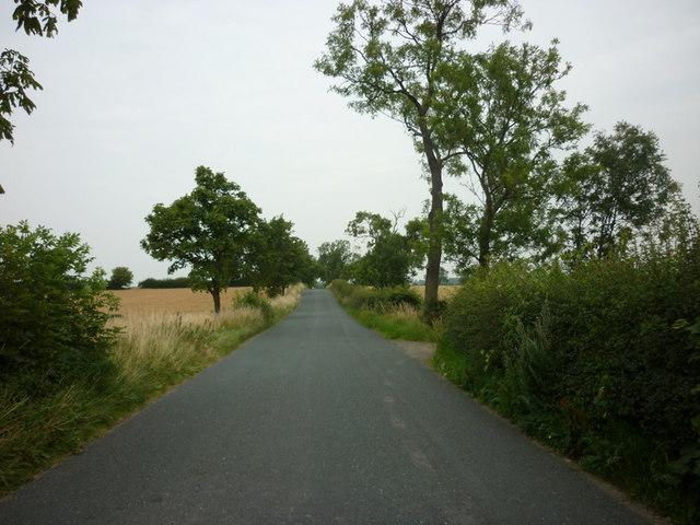 Looking north along Highmoor Lane