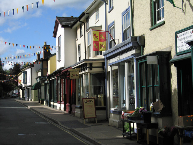 Shop fronts on High Street