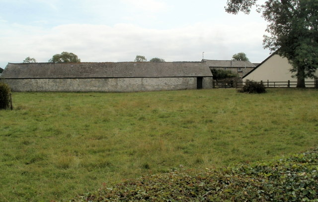 Long farm building north of Whitson