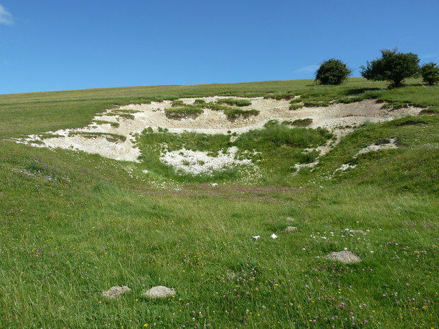 Small disused chalk pit on Haye's Down