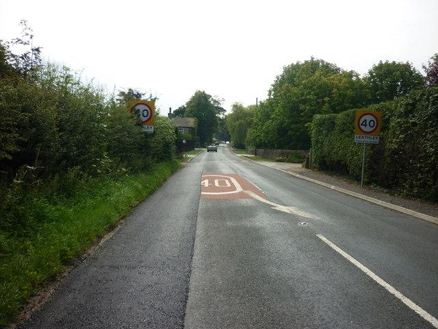 Entering Leathley on Leathley Lane