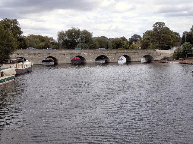 River Avon, Clopton Bridge