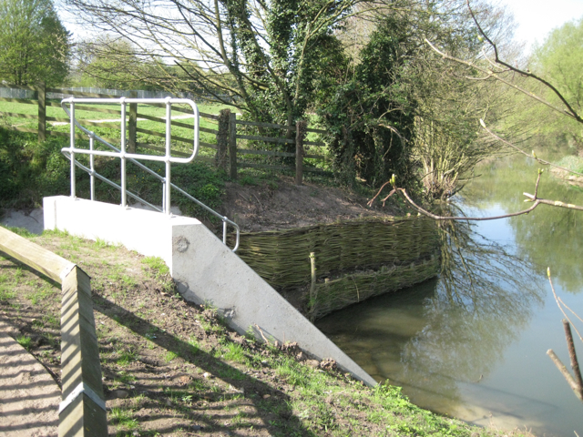 Concrete outfall and wicker bank retention