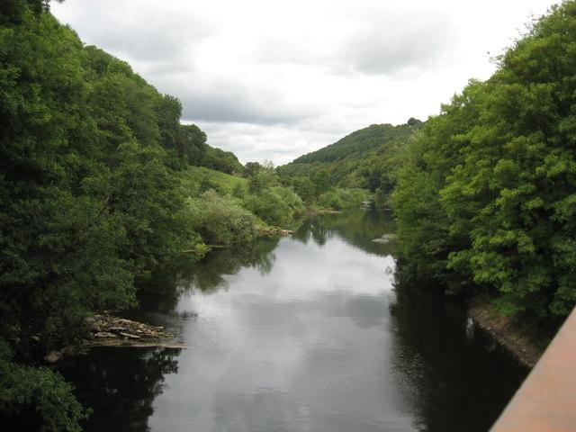 The River Wye looking upstream at Redbrook