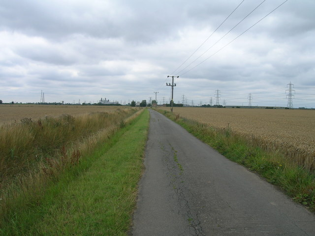 Middle Road towards the B1392