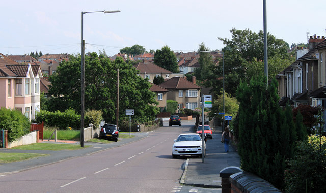 2011 : A4175 down Teewell Hill, Staple Hill
