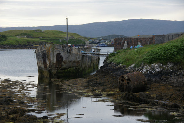 Old boat used as a pier, Scalpay (Sgalpaigh)