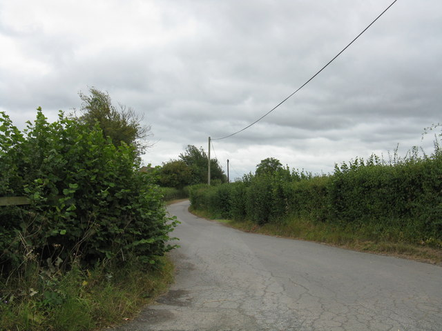 Heightington Road, looking south from Jennings Wood Lane