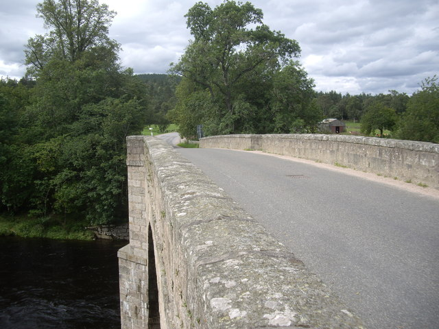 Downstream parapet of Bridge of Potarch
