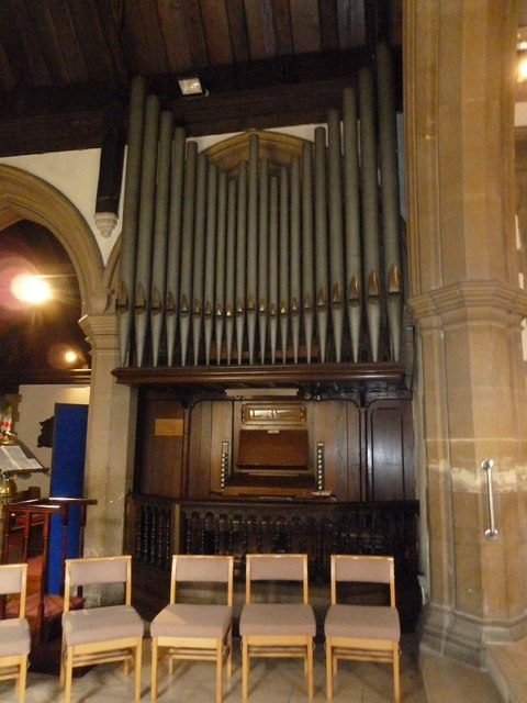 St. John the Baptist, Crawley: organ