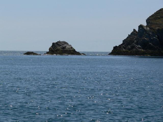 Island and rocky headland at Dinas