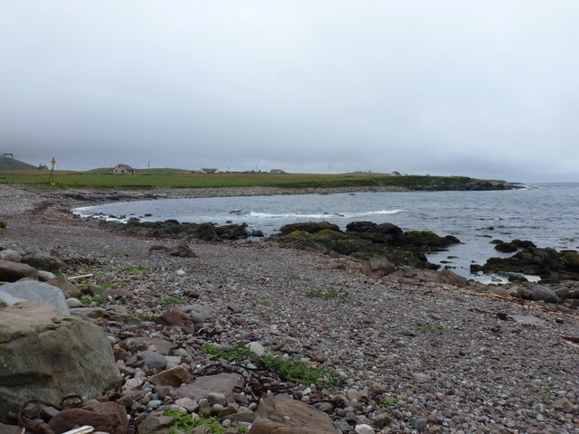 Sandness: bay and pebbly beach