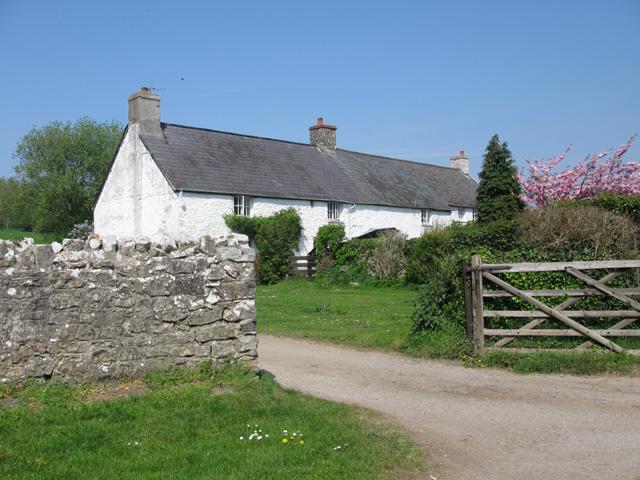 Ton Farm Cottages, Merthyr Mawr