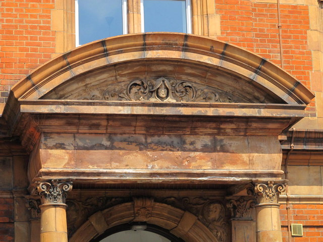 Former offices, Glengall Road, NW6 - entrance detail
